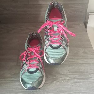 Asics Gel Running Shoes Size9 Turquoise and Pink